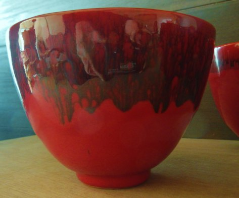 Bol rouge laque (diam 13cmx H9.5cm)